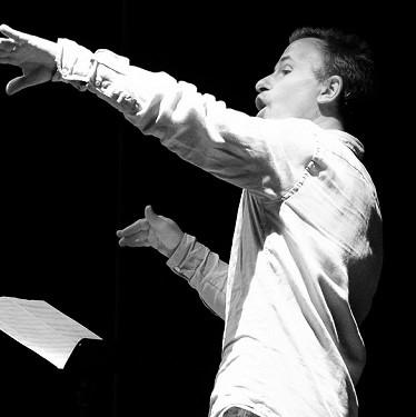 Pierre Frantz, professeur de Chant collectif et Percussions corporelles